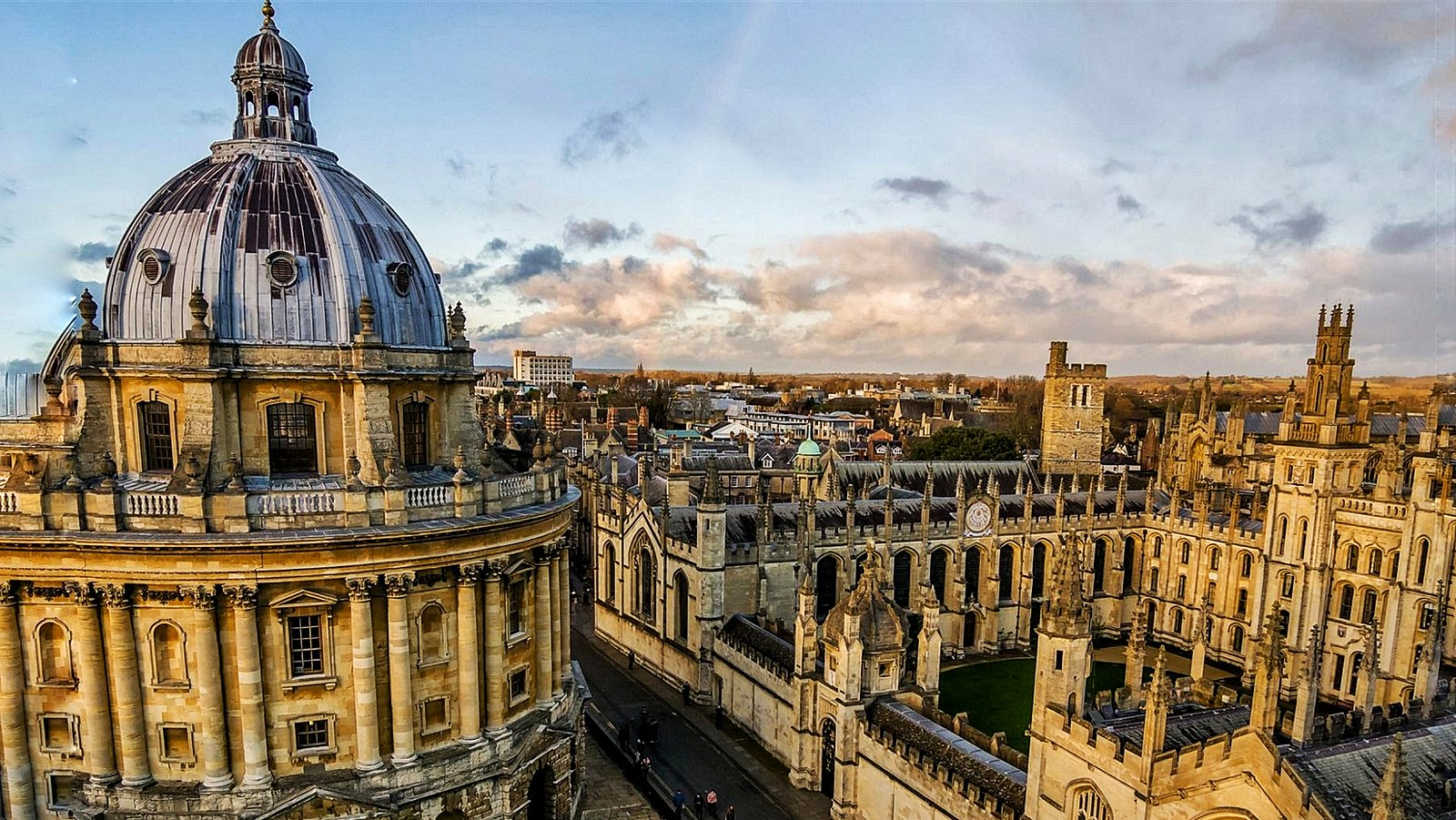 The Top 10 Things to See and Do In Oxford